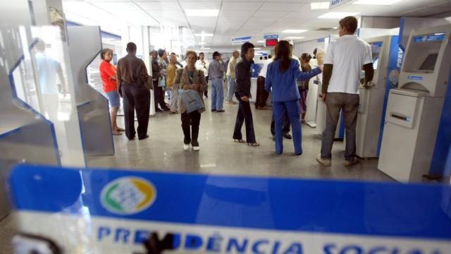 governo é limitar pagamento para cortar gastos Foto: Márcia Foletto
