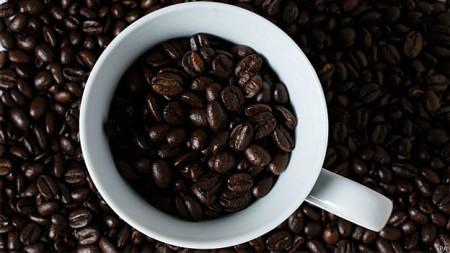 Café em excesso pode causar ansiedade e dificuldade para dormir.