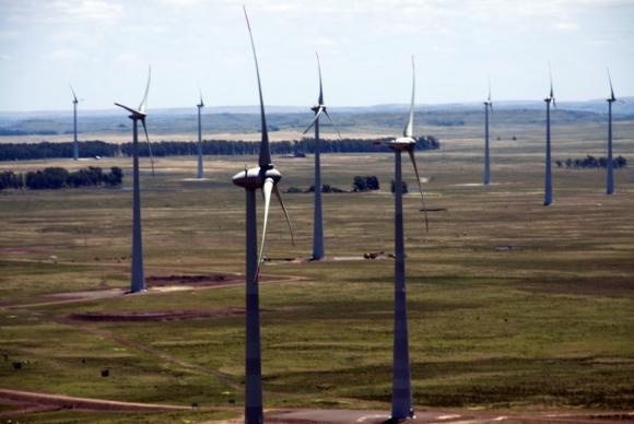 Investimentos na matriz eólica contribui para a geração de energia limpa. Foto: Arquivo/Agência Brasil.