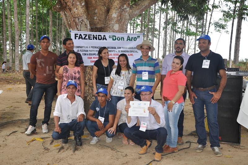 Equipe da Fazenda recebe certificado