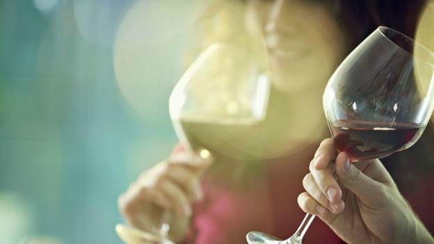 Vinho tinto é a bebida mais rica em polifenóis, que trazem benefícios à saúde.